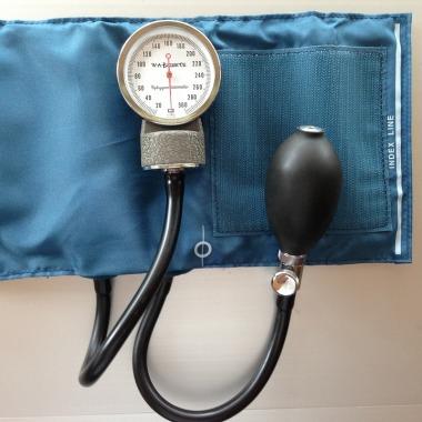 Blutdruckschwankungen mit einem Blutdruck Messgerät bestimmen