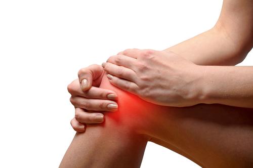 Hitze im Knie - Ursachen, Symptome und Therapie