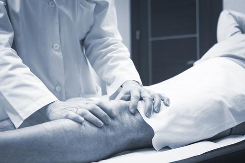 Meniskus eingeklemmt - Therapie bei Meniskus Einklemmung