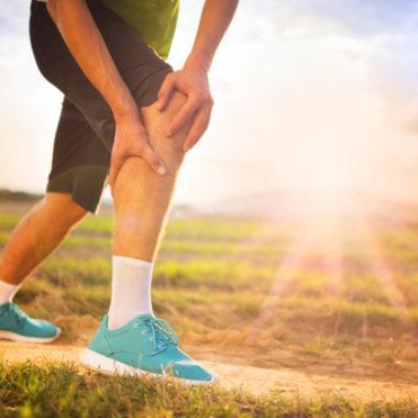 Knie verstaucht - Symptome, Ursachen und Therapie