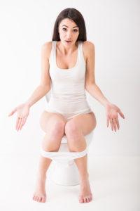 Unnormale Stuhlfarbe – zum Arzt gehen