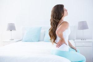 Rückenschmerzen nachts – welche Ursache