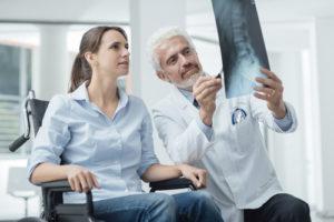 Deckplattenimpressionsfraktur – Symptome und Behandlung