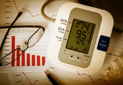 Hoher Blutdruck nachts – wie behandeln?