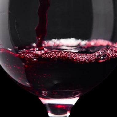 Wie wirkt Rotwein auf den Blutdruck?