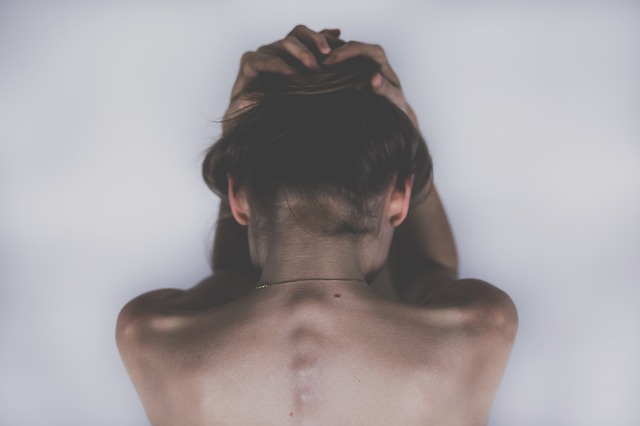 Cervicocephalgie – Ursachen, Symptome und Therapie