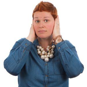 Blubbern im Ohr – Ursachen und Behandlung