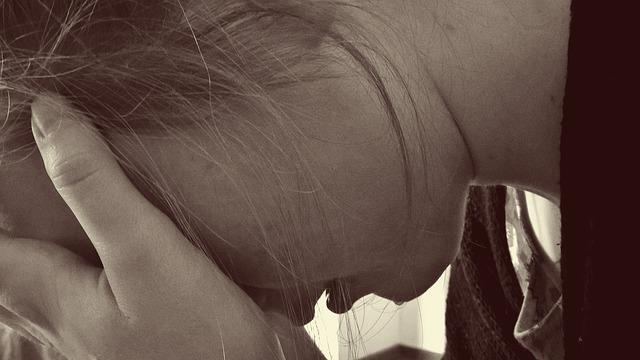 Geschwollene Augen nach dem Weinen – Ursachen, Tipps und Hausmittel
