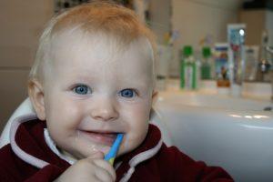 Wie lange dauert Zahnen? – Erfahrung mit den ersten Zähnen