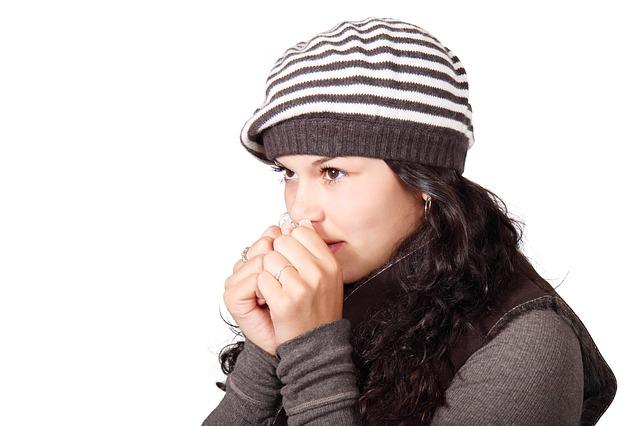 Blaue Finger – mögliche Ursachen und Risiken