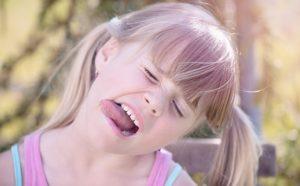 Geschwollene Zunge – Ursachen und Symptome einer Zungenentzündung