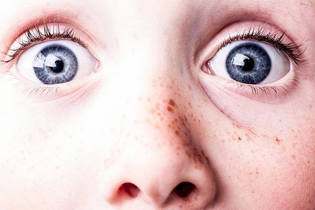 Rote Punkte im Gesicht – Merkmale und Methoden zur Behandlung