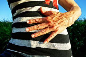 Seitenstechen links – mögliche Ursachen und Tipps zur Verhinderung