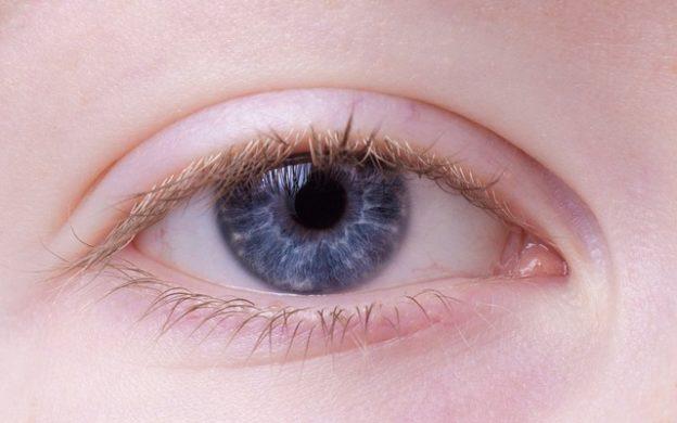 Trockene Augenlider – Ursachen und Möglichkeiten zur Behandlung