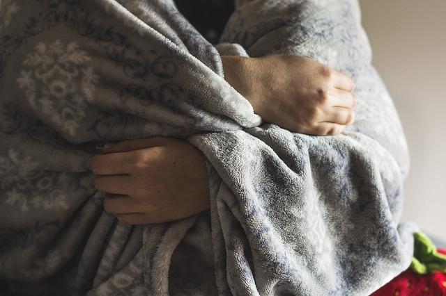 Zittern am ganzen Körper – Ursachen und Behandlung