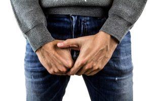 Zyste am Hoden – Symptome, Ursachen und Häufigkeit des Auftretens
