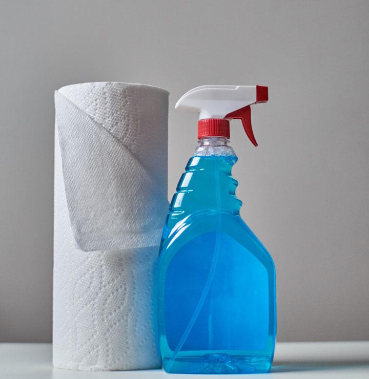 Ausrüstung um Brille zu reinigen